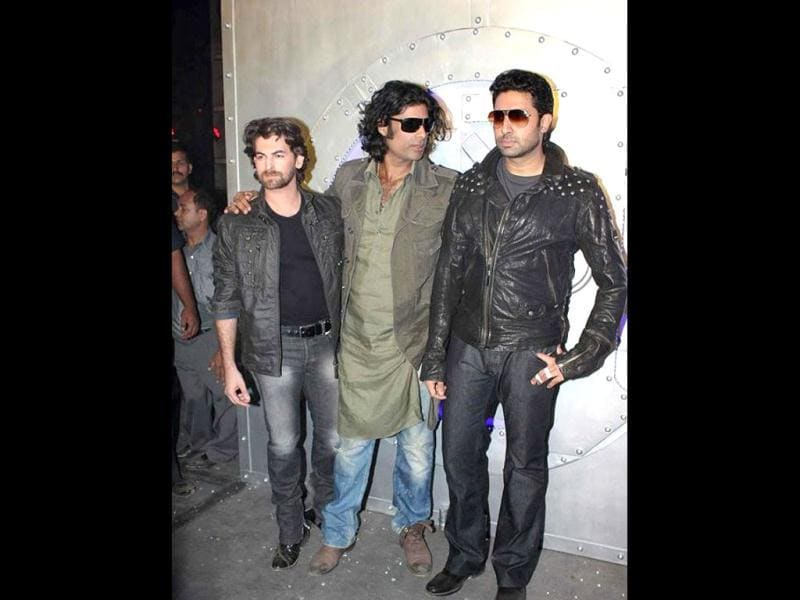 Abhishek Bachchan and Sikander Kher are childhood friends.