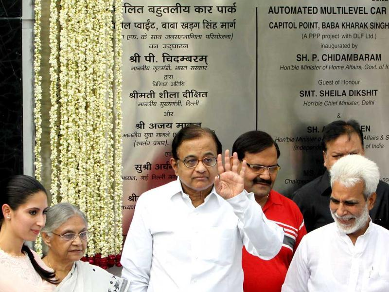 Home minister P Chidambaram and Delhi chief minister Sheila Dikshit are seen at the Capitol Point in New Delhi. HT/Sonu Mehta