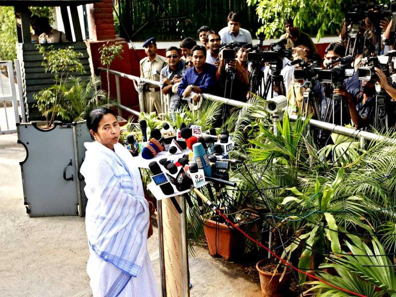Mamata Banerjee speaks to the media after meeting UPA chairperson Sonia Gandhi at her residence in New Delhi. (HT Photo/Ajay Aggarwal)