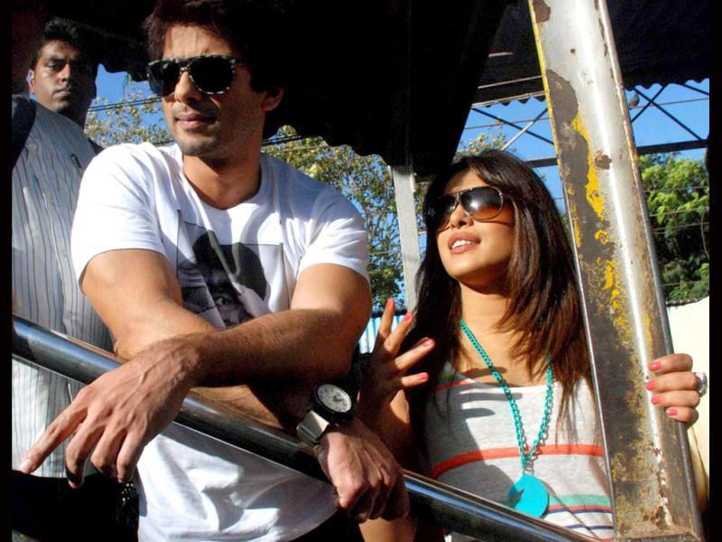 Ex-flames Shahid Kapoor and Priyanka Chopra were out on a promotional spree! The actors went out to Churchgate station to promote their upcoming romantic drama Teri Meri Kahaani in Mumbai on June 13. (UNI photo)