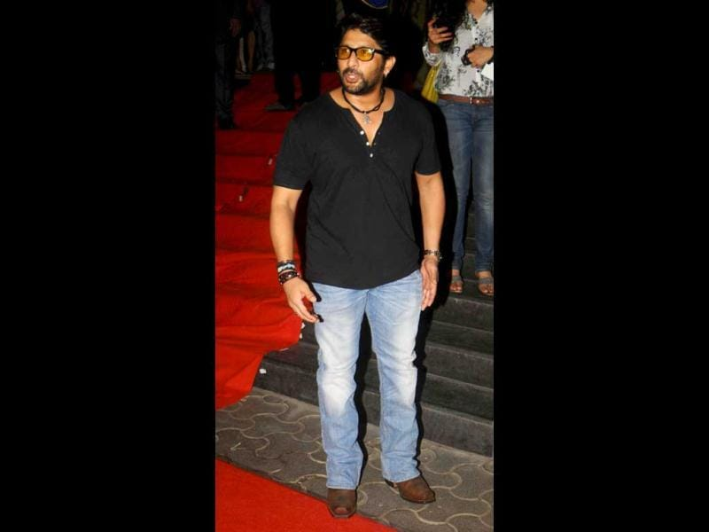 Arshad Warsi played it safe in a black tee and blue jeans.