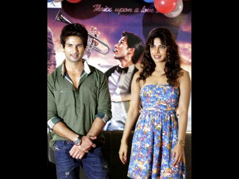Shahid Kapoor and Priyanka Chopra called a press conference to promote of their upcoming film Teri Meri Kahaani in Ahmedabad.
