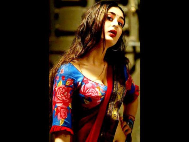 Kareena Kapoor was quite raunchy in Sudhir Mishra's Chameli too.