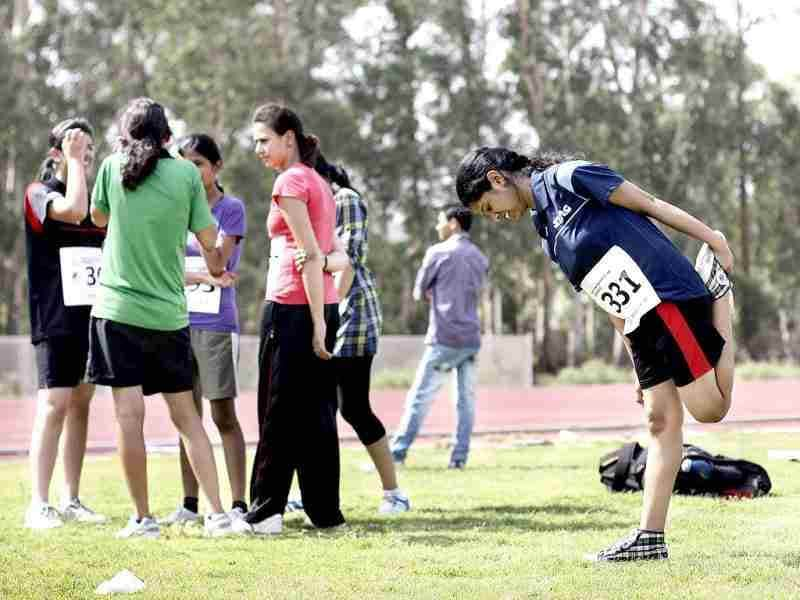 Students participating in the fitness trail test for admission at Shri Ram College of Commerce, despite the hot weather in New Delhi. HT/M Zhazo