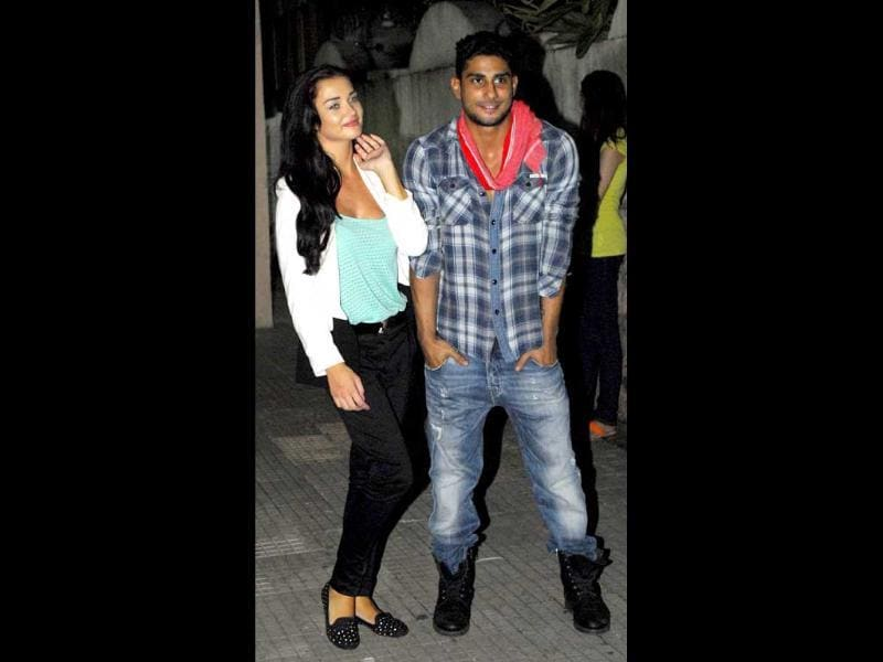 Prateik and Amy Jackson arrive together for the screening.