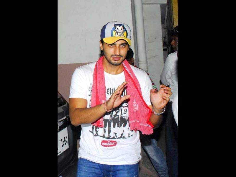 Arjun Kapoor flaunts a gamcha at the special screening of Gangs of Wasseypur in Mumbai.