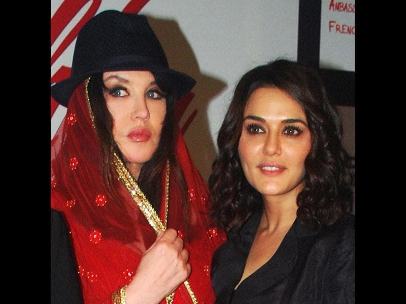 French actress Isabelle Adjani with Preity Zinta during the launch of the movie Ishq in Paris. (UNI)