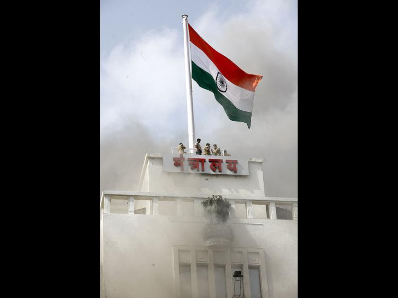The Tricolour is pictured atop the Mantralaya building in Mumbai. HT/Vijayanand Gupta