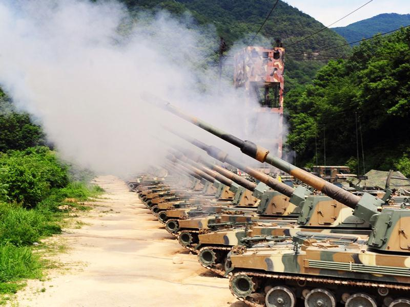 South Korean Army K-9 self-propelled howitzers fire during South Korea-US joint military live-fire drills at Seungjin Fire Training Field in Pocheon, north of Seoul, South Korea. (AP Photo/Kang Jin-hyung, Newsis)