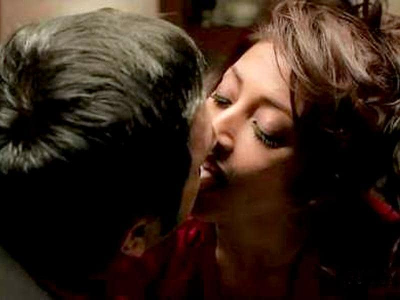 Paoli Dam did a series of love scenes in Hate Story.