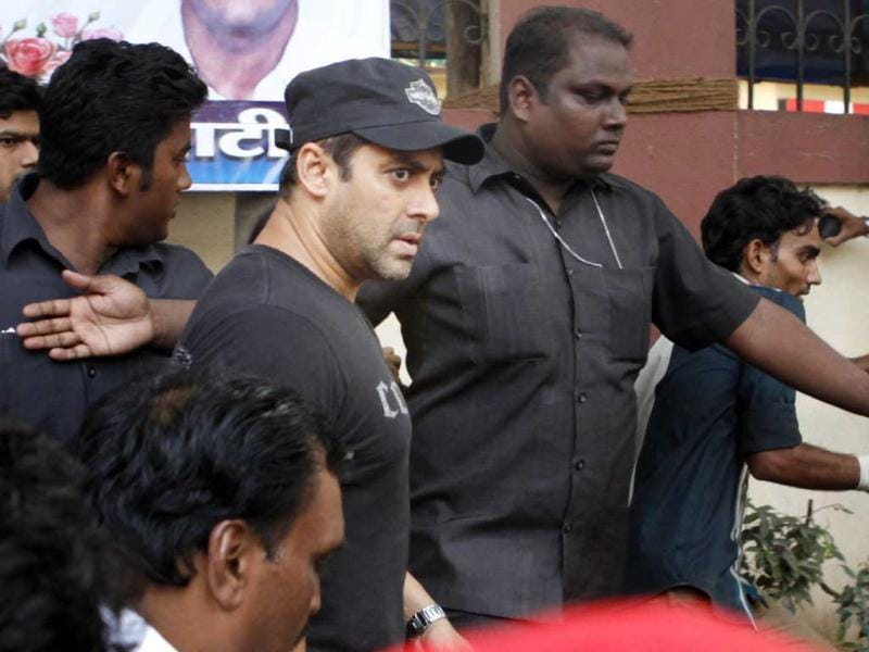 Only once Salman was convinced that the injured crew was in good hands, did he leave for Mehboob Studio. Within 10 minutes post that, Salman was seen riding a bike back home. (HT Photo: Prodip Guha)