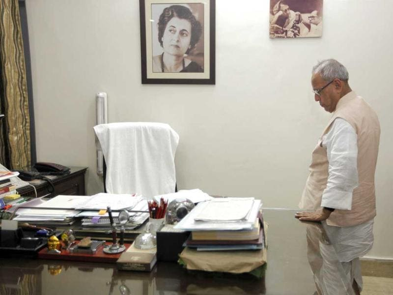 Pranab Mukherjee at the office space in his residence in New Delhi. HT/Gurinder Osan
