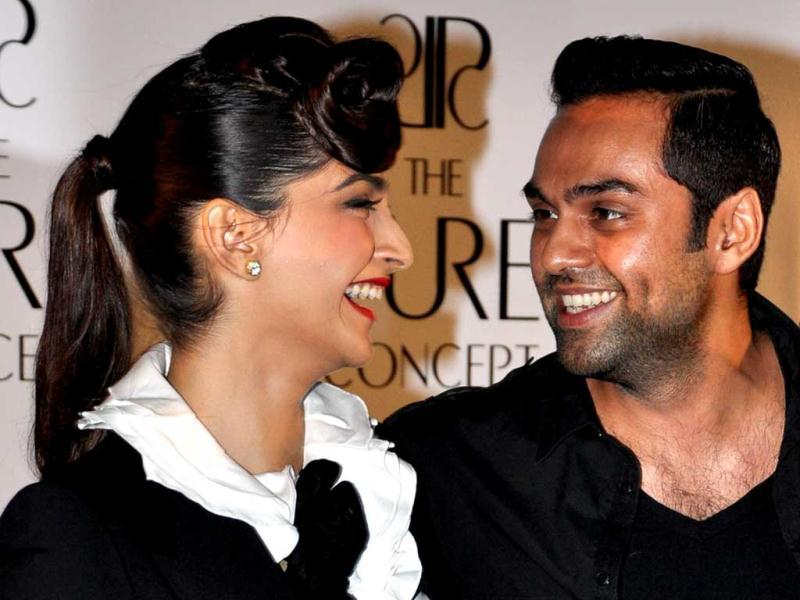 Yes, he's Abhay Deol. The co-actors who fell out after the failure of Aisha have now patched up. The two were seen at the launch of Pure Concept' 2012, a luxury home decoration collection in Mumbai.