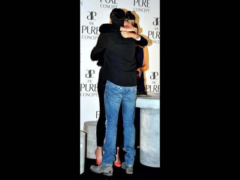 Sonam Kapoor and the guy in question are in tight embrace. Who's this man and what's his connection with Sonam.