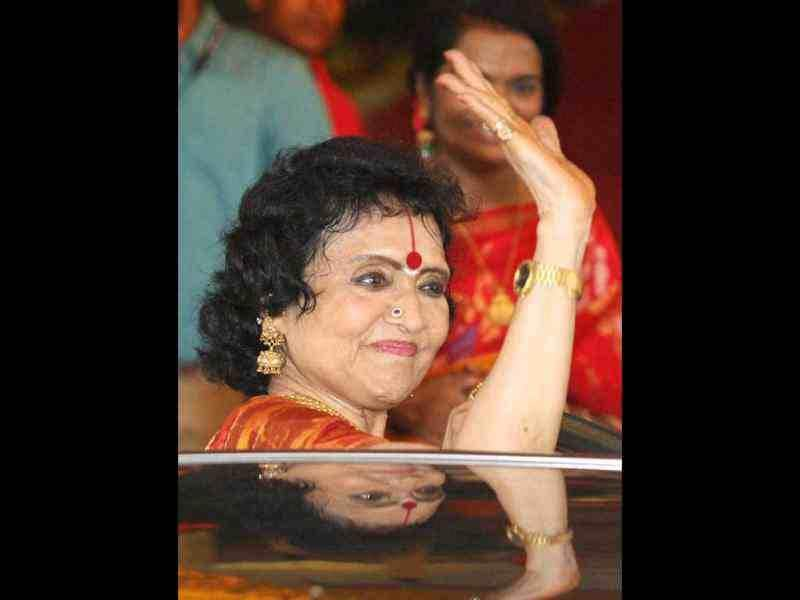 Veteran actress Vyjayanthi Mala arrives to attend the marriage ceremony of actress Esha Deol with Bharat Takhtani.