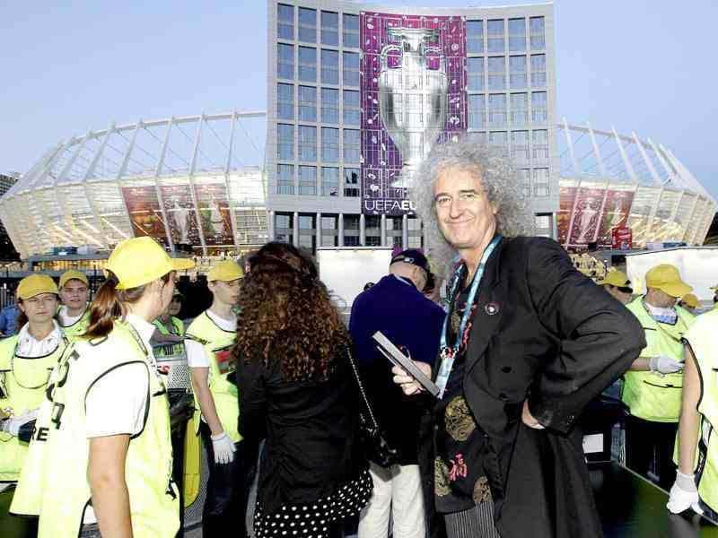 Brian May of rock group 'Queen' at the Olympiyskiy stadium ahead of the Euro 2012 soccer championship final match between Spain and Italy in Kiev, Ukraine (AP Photo/Efrem Lukatsky)