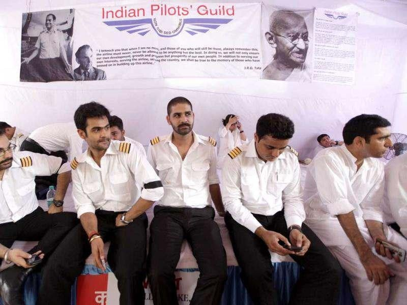 The pilots decided to call off their strike after the Air India management assured the Delhi high court that it would consider their grievances. AP/Manish Swarup