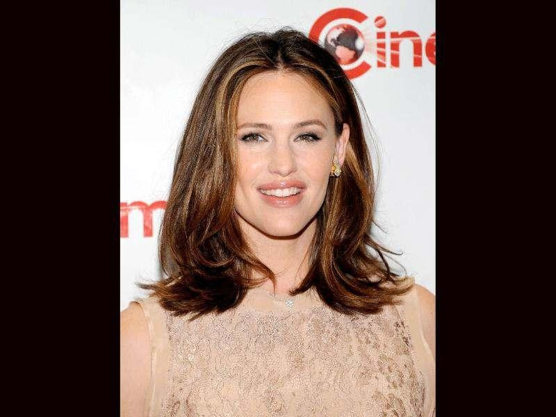 Jennifer Garner married Ben Affleck when she was three months pregnant.
