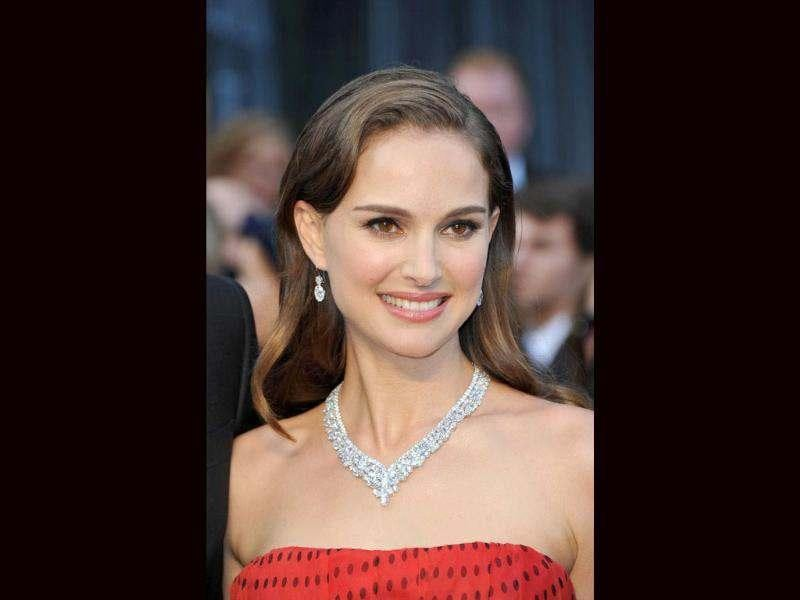 Hollywood actress Natalie Portman, who has a 12-month-old son, will reportedly marry fiancé Benjamin Millepied next month.