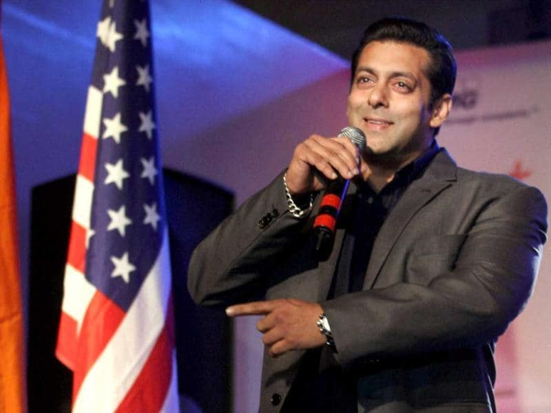 Salman Khan addresses the crowd at the 8th Indo-American Corporate Excellence Awards.