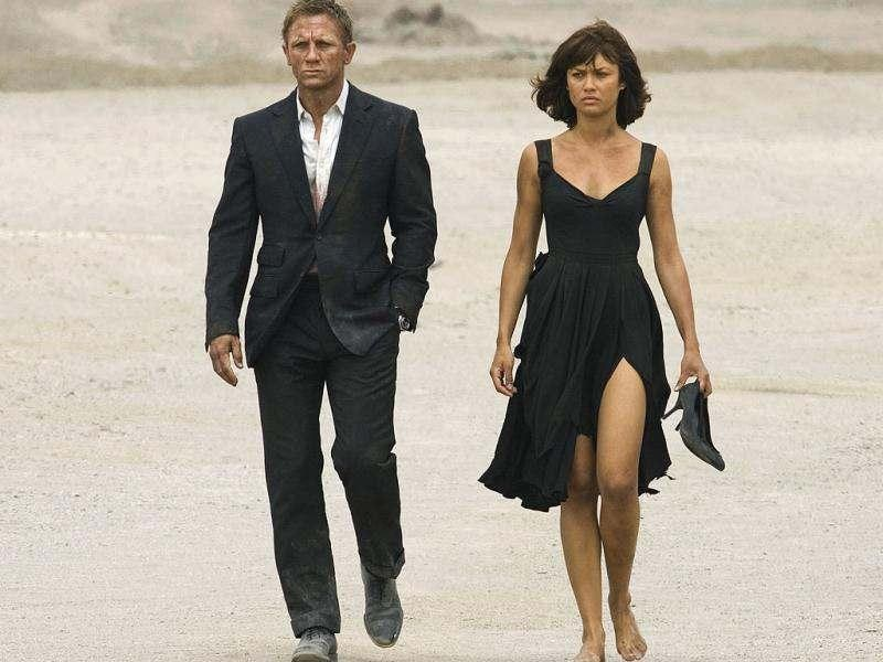 Olga KurylenkoRussian-Bolivian beauty Camille Montes (played by Olga Kurylenko) still looked elegant while roaming the desert with Daniel Craig as James Bond in Quantum of Solace.