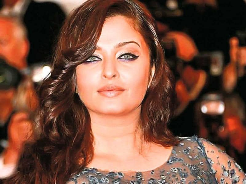 Aishwarya Rai Bachchan was also asked to leave Heroine, a Madhur Bhandarkar film as soon as the director learned about her pregnancy. The film is now being completed with Kareena Kapoor.