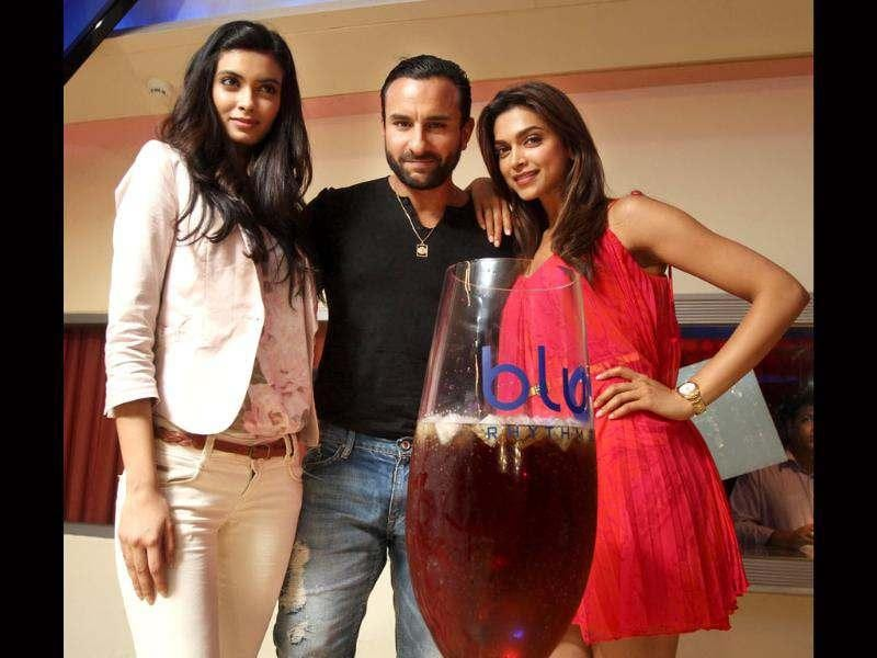 No sandwich here but a heady cocktail, as actors Saif Ali Khan, Deepika Padukone and newbie Diana Penty along with co-producer Dinesh Vijan came to the bluO, Ambience Mall, Gurgaon on Wednesday to promote their latest outing Cocktail.