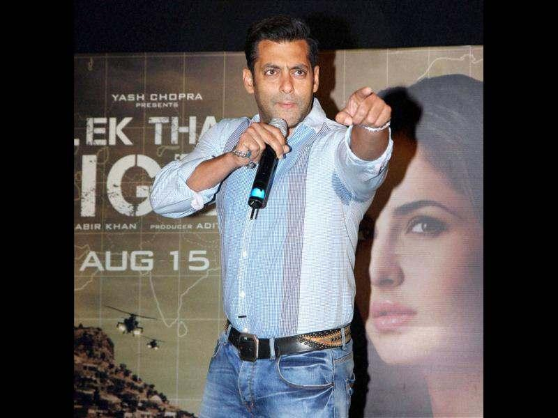 Ek Tha Tiger's first song Mashallah also saw a simultaneous release on Twitter. Watch the song here