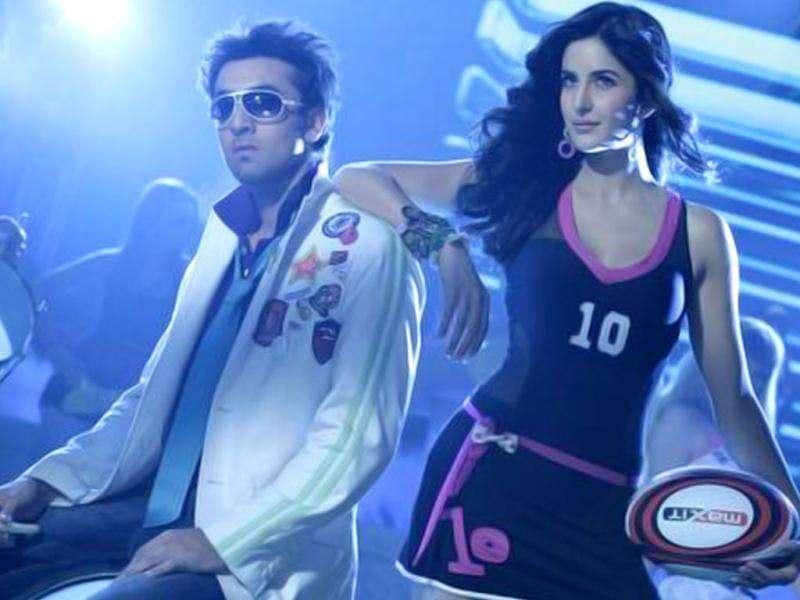 YOUTHFUL! Katrina Kaif weaves the disco magic with Ranbeer Kapoor in Main Tera Dhadkan from Ajab Prem Ki Ghazab Kahaani.