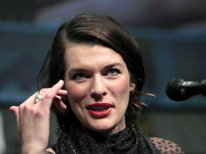 Cast member Milla Jovovich speaks during a panel for Resident Evil: Retribution during the Comic Con International convention in San Diego, California July 13, 2012. (Reuters)