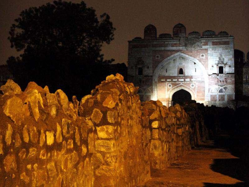 A view of illuminated Sher Shah Suri Gate at after the sunset in New Delhi. (Hindustan Times Photo/Arijit Sen)