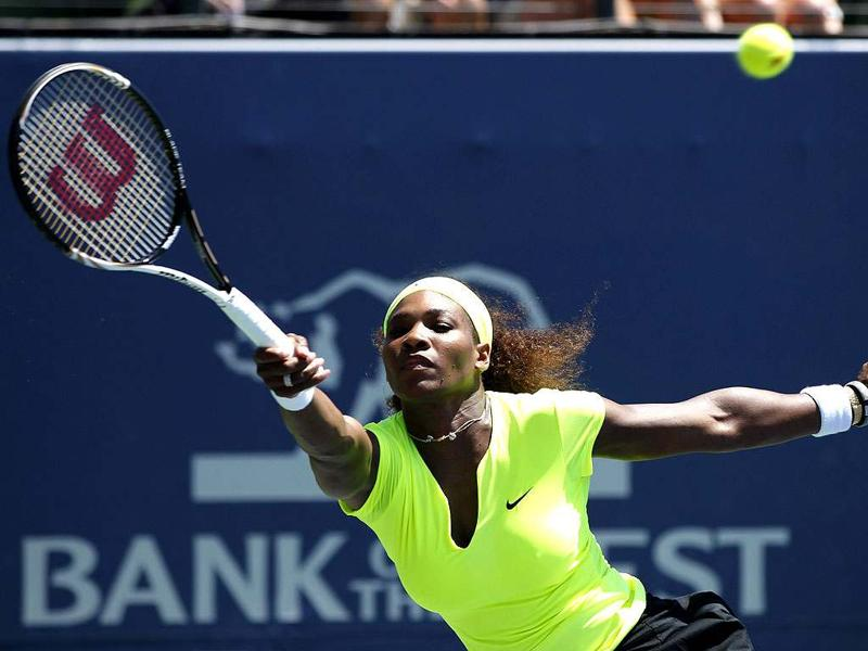 Serena Williams of the US reaches to hit a forehand shot against compatriot Coco Vandeweghe during the finals of the Stanford women's tennis tournament on the Stanford University campus in Palo Alto. REUTERS/Robert Galbraith