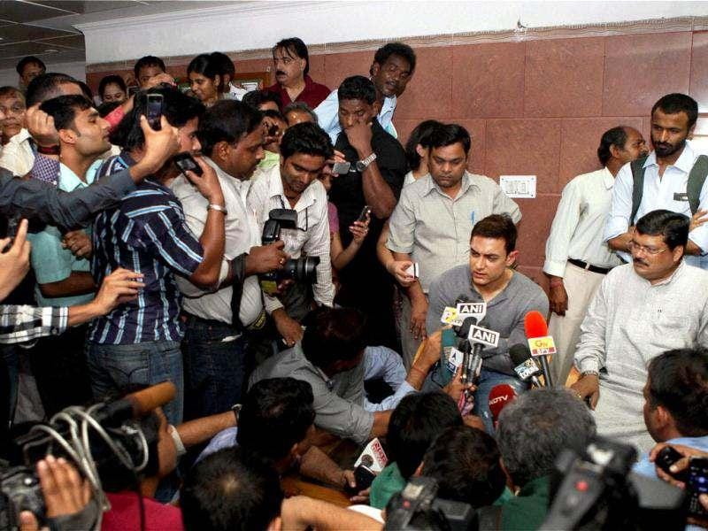 Aamir Khan addresses the media after leaving the PM's house.