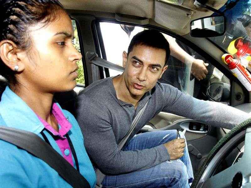Aamir Khan commuted to PM house in a woman driver's cab in order to promote women drivers in commercial driving.