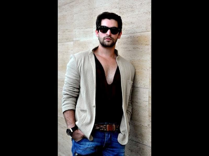 Neil Nitin Mukesh looks stunning in a black shirt.