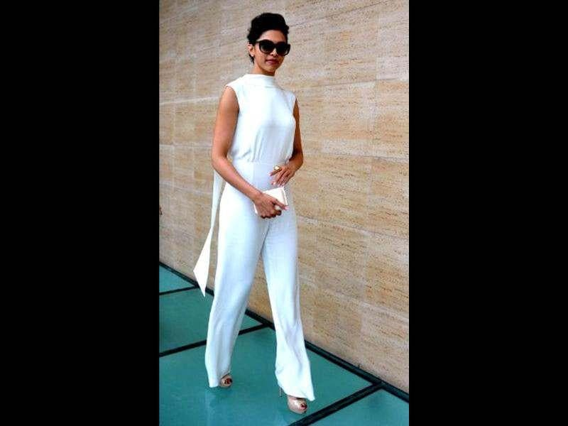 Deepika Padukone seems to be loving the colour white these days! The Long-legged beauty turned heads in a crisp white jumpsuit recently at Pooja Makhija's Eat.Delete. success party.