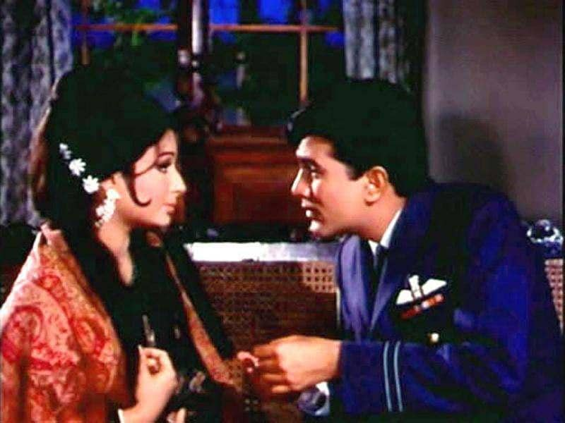 Paired with Sharmila Tagore and directed by Shakti Samanta, this movie was voted best film of the year by the Filmfare Awards. It gave us songs like Roop Tera Mastana and Mere Sapno Ki Rani.