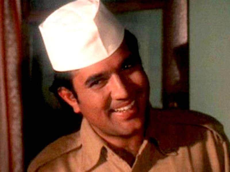 Bawarchi, family entertainer was directed by Hrishikesh Mukherjee, starring Rajesh Khanna and Jaya Badhuri. The movie is about a young man named Raghu (Rajesh Khanna) who offers to work as a cook, and is hired. Raghu soon becomes the family's favourite and twists in the plot ensue.