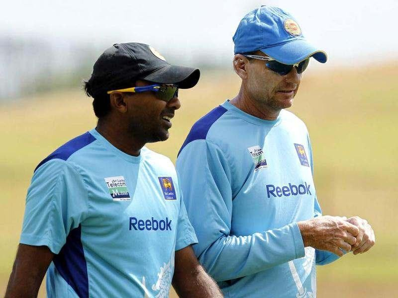 Sri Lanka's captain Mahela Jayawardene (L) talks with coach Graham Ford during a practice session ahead of their first One Day International (ODI) cricket match against India in Hambantota July 20, 2012. Sri Lanka will play five ODl cricket matches and one Twenty-20 match against India. Reuters/Dinuka Liyanawatte