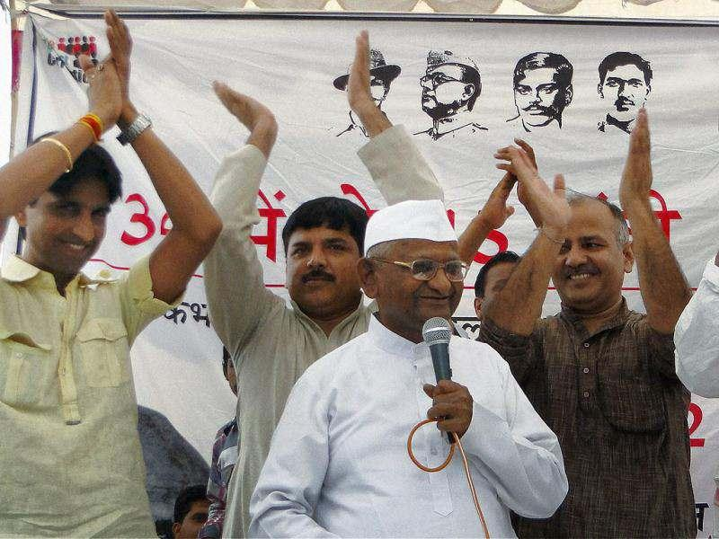 Anti-corruption activist Anna Hazare addressing his supporters in Ghaziabad. (PTI Photo)