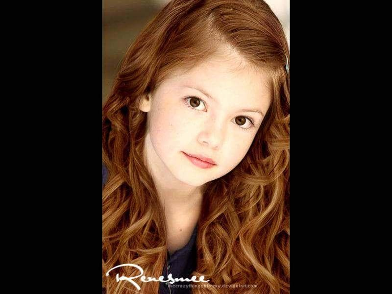 Mackenzie Foy will be seen playing the role of Bella and Edward's daughter Renesmee.
