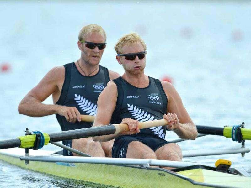 New Zealand's Eric Murray (R) and Hamish Bond compete in the men's pair heat 1 of the rowing event during the London 2012 Olympic Games, at Eton Dorney Rowing Centre in Eton, west of London. AFP/Eric Feferberg