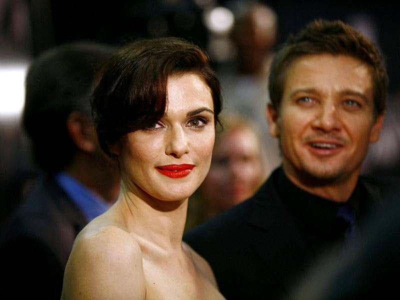 Cast members Rachel Weisz (L) and Jeremy Renner attend the premiere of the film The Bourne Legacy in New York. Reuters photo/Eric Thayer