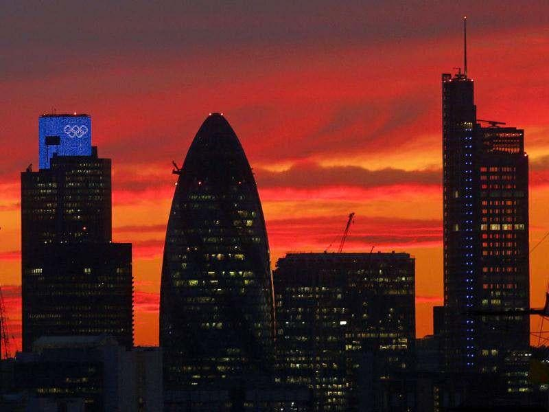 A sunset is seen behind the city of London. Reuters photo/Eddie Keogh