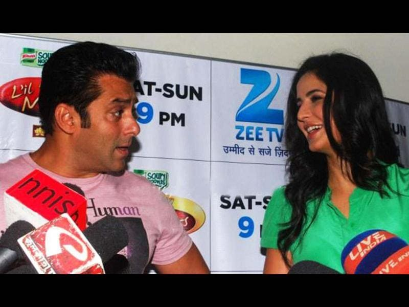 Ex-flames Salman Khan and Katrina Kaif were seen sharing some cheeky moments during the promotion of Ek Tha Tiger, on the sets of Dance India Dance 'Little Champs' in Mumbai.