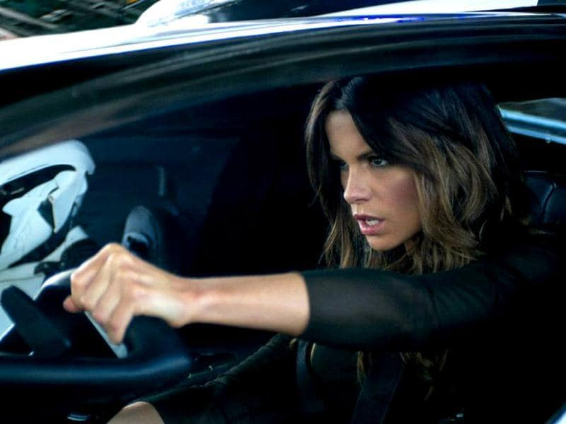 Quaid soon realises he's being hunted even by his own wife Lori (played by Kate Beckinsale) who is determined to kill him.