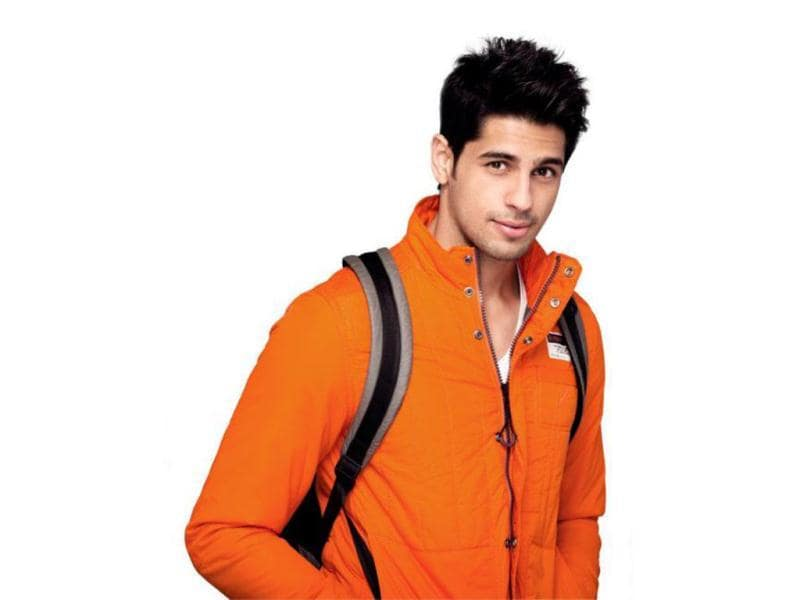 Siddharth Malhotra plays the role of Abhimanyu Singh a.k.a. Abhi who comes from a middle-class family.