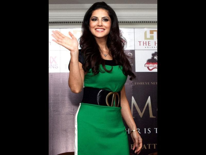 Sunny Leone Looks Svelte And Sexy In A Green Dress For Promotional Event Jism
