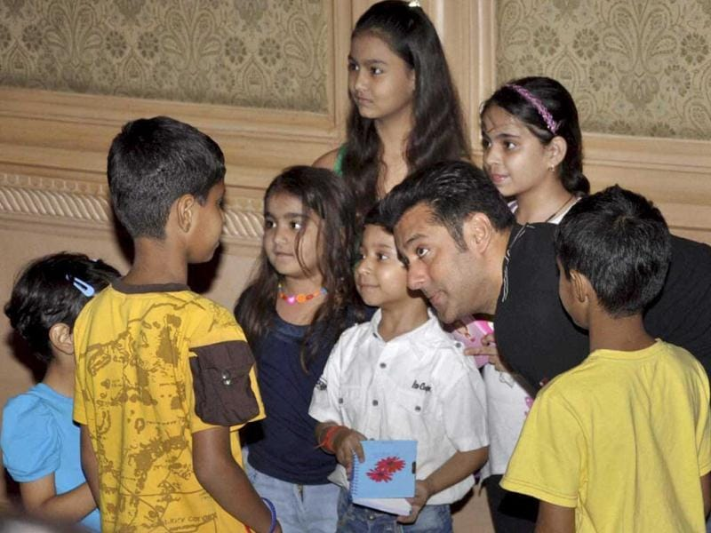 Salman gets pally with the children in Lucknow.