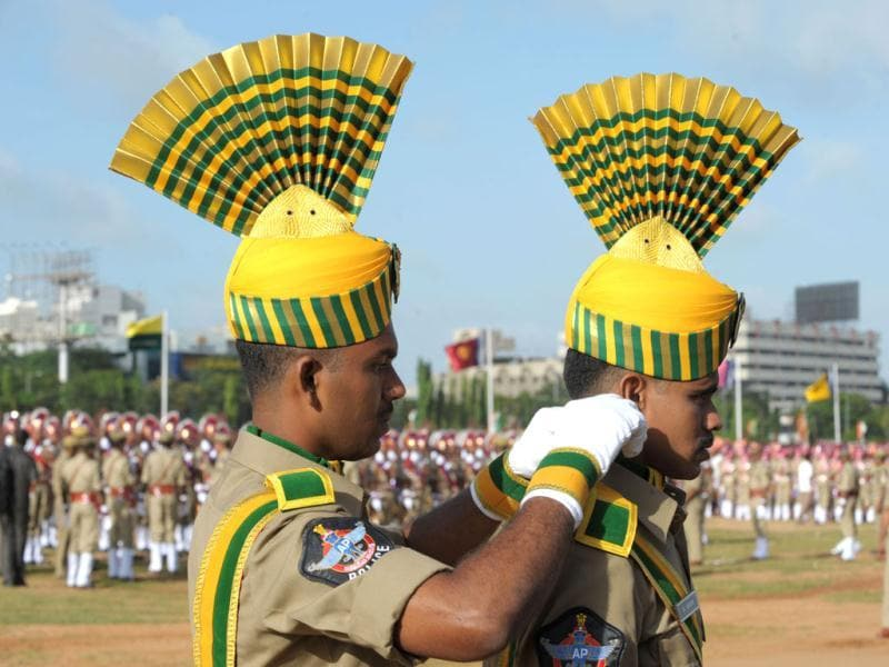 Andhra Pradesh Special Police personnel prepare for a full dress rehearsal for Independence Day celebrations in Secunderabad. AFP photo/Noah Seelam